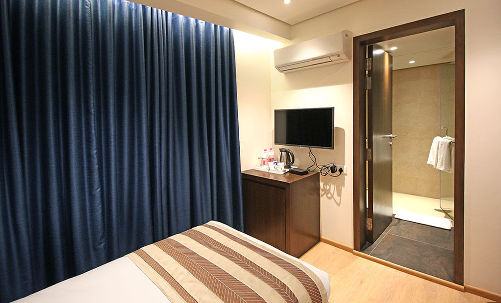 Standard Economy Budget Hotels Near Domestic International Ahmedabad Airport | Budget Hotels In Ahmedabad Gandhinagar| Hotels Near Mahatma Mandir | Vatva GIDC Hotel German Palace near Gandhinagar Ahmedabad Airport, Meeting Conferences, Luxurious Room, Banquet Corporate Halls, Veg Non Veg Restaurant